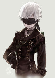 1boy 2017 artist_name bangs black_gloves blindfold capriccio choker closed_mouth commentary dated facing_viewer gloves grey_background hand_on_hip hibanar long_sleeves male_focus md5_mismatch nier_(series) nier_automata signature simple_background solo strap upper_body white_hair yorha_no._9_type_s rating:Safe score:9 user:danbooru