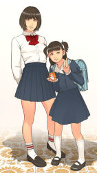 2girls age_difference brown_hair shinchou_ni_kansuru_kousatsu standing tagme