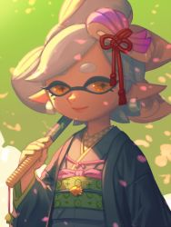 +_+ 1girl artist_name bellhenge bound cherry_blossoms domino_mask earrings eyebrows grey_hair hair_ornament hotaru_(splatoon) japanese_clothes jewelry kimono lipstick long_sleeves looking_at_viewer makeup mask mole mole_under_eye pink_lips pointy_ears short_eyebrows smile solo splatoon splatoon_2 symbol-shaped_pupils tentacle_hair tied_up umbrella upper_body wide_sleeves yellow_eyes