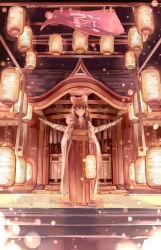 1girl alternate_costume bow brown_eyes brown_hair hair_bow hair_tubes hakurei_reimu highres japanese_clothes kimono lantern long_sleeves obi rope sash shimenawa solo touhou wide_sleeves zicai_tang