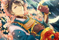 1boy black_gloves black_hair blue_eyes crescent_moon dutch_angle egasumi gari_(apollonica) gloves japanese_clothes lying male_focus mikazuki_munechika moon on_back partially_submerged petals sayagata sky smile star_(sky) starry_sky touken_ranbu water