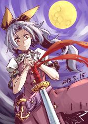 1girl :< belt bow full_moon hair_bow highres katana looking_down moon ponytail puffy_sleeves red_eyes solo sword the_maa touhou watatsuki_no_yorihime weapon white_hair