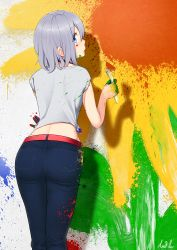 1girl art_brush ass blue_eyes denim from_behind jeans looking_back midriff original paint paint_on_face paint_splatter paintbrush painting pants shirt short_hair silver_hair solo tied_shirt w3b_(saviorw3b)