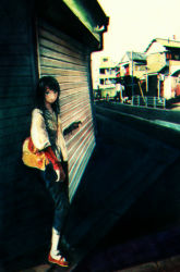 1girl bag black_hair blue_eyes denim jeans looking_at_viewer original pants smile solo yuuji_(artist)