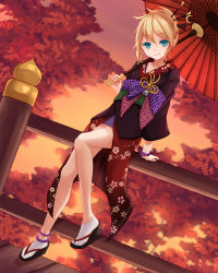 1girl ankle_socks anklet aqua_eyes blonde_hair bracelet cell_(diox) dutch_angle hair_ornament hair_up hairpin highres japanese_clothes jewelry kagamine_rin looking_at_viewer oriental_umbrella project_diva_(series) project_diva_f sandals sitting solo sunset tabi tengaku_(vocaloid) tree umbrella vocaloid
