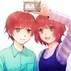 1boy 1girl brother_and_sister camera darker_than_black green_eyes long_hair ouru_rin red_hair shion_pavlichenko short_hair siblings simple_background smile suou_pavlichenko twins white_background