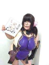 1girl black_hair breasts cattleya cattleya_(cosplay) cosplay fat glasses huge_breasts kjmvideo luu_(cosplayer) photo queen's_blade