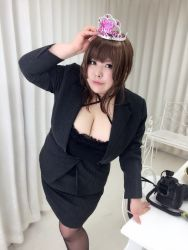 1girl asian breasts brown_hair fat huge_breasts luu_(cosplayer) photo