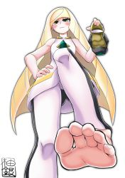 1girl barefoot blonde_hair blush feet from_below green_eyes grin hand_on_hip holding_shoes long_hair looking_at_viewer looking_down lusamine_(pokemon) no_shoes pokemon pokemon_(game) pokemon_sm pov pov_feet shoes_removed single_shoe soles toes yuzu_gin_(pika97)
