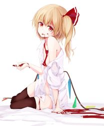 1girl blonde_hair flandre_scarlet homo_1121 red_eyes solo touhou