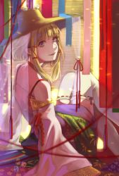 1girl adapted_costume arm_support bare_shoulders blonde_hair detached_sleeves from_behind hair_ribbon hat highres knees_touching leaning_back light_smile looking_at_viewer looking_back moriya_suwako ribbon ribbon-trimmed_legwear ribbon-trimmed_sleeves ribbon_trim shinigami_(pixiv4727902) solo strap thighhighs touhou white_legwear yellow_eyes