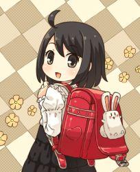 1girl backpack bag black_eyes black_hair looking_at_viewer mizuno_mumomo original randoseru smile solo
