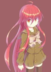 1girl highres long_hair red_eyes red_hair school_uniform serafuku shakugan_no_shana shana standing thighhighs tsumuji_(kazekirikengo)