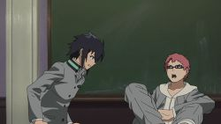 2boys animated animated_gif black_hair glasses owari_no_seraph pink_hair school_uniform