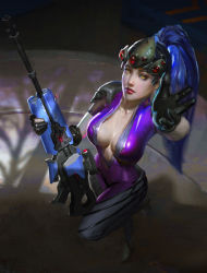 1girl absurdres black_gloves bodysuit breasts collarbone dark_background eyeliner from_above full_body gloves gun head_mounted_display highres holding holding_gun holding_weapon lips long_hair looking_at_viewer looking_up makeup medium_breasts overwatch pink_bodysuit ponytail purple_hair purple_skin reaching_out rifle shadow short_sleeves solo standing standing_on_one_leg visor weapon weile_zhang widowmaker_(overwatch) yellow_eyes