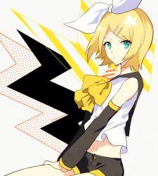 1girl blonde_hair green_eyes issui kagamine_rin short_hair shorts vocaloid