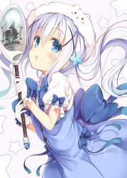 1girl :o adapted_costume animal_hat bangs blue_bow blue_dress blue_eyes blue_hair blue_ribbon blush bow breasts brooch bunny bunny_hat buttons character_hat collared_shirt commentary_request cowboy_shot dress eyebrows_visible_through_hair flower gloves gochuumon_wa_usagi_desu_ka? hair_between_eyes hair_flower hair_ornament hairclip hat highres holding holding_spoon jewelry kafuu_chino long_hair looking_at_viewer magical_girl nozomi_tsubame open_mouth oversized_object puffy_short_sleeves puffy_sleeves ribbon shirt short_sleeves sidelocks simple_background sleeveless sleeveless_dress small_breasts solo spoon star tippy_(gochiusa) white_background white_gloves white_hat white_shirt x_hair_ornament