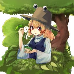 1girl bei_mochi blonde_hair bush frog grass hair_ribbon hat high_collar highres leaf long_sleeves looking_at_viewer moriya_suwako open_mouth payot red_eyes ribbon short_hair solo touhou tree vest white_background