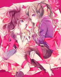 2girls bad_id barefoot bow character_doll crossover green_hair kagerou_project kano_shuuya kido_tsubomi long_hair multiple_girls n_(pokemon) pokemon pokemon_(game) pokemon_bw ponytail purple_eyes purple_hair ribbon shorts torute touko_(pokemon)